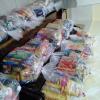 Gesto solidário: Familías carentes recebem cestas natalinas